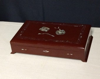 Asian Red Lacquer Smoking Box with Lid, Japanese / Chinese Cigarette Box, Lacquer Box with Inlaid Abalone