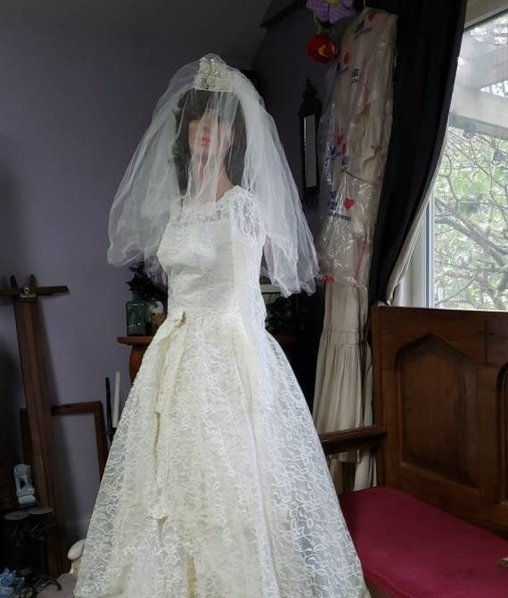 1950's Tiered Lace, Satin & Tulle Wedding Dress an