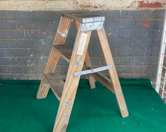 Stools & Stands
