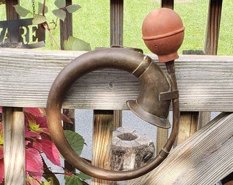Vintage Brass Car Horn with Mounting Bracket, Old Automobile Horn, Steampunk Horn, Vintage Auto Horn