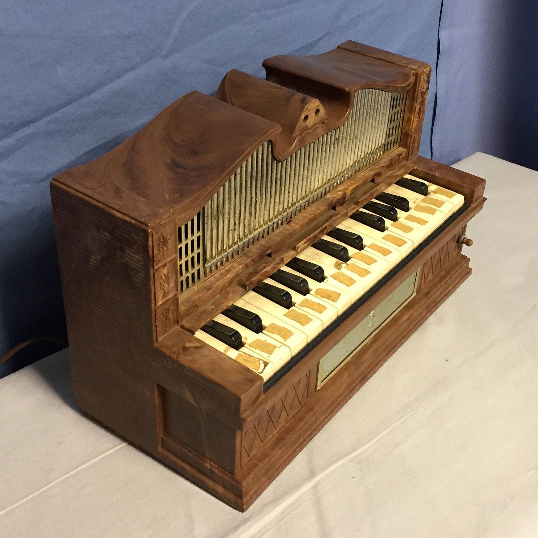 Electric Golden Pipe Organ, Emenee Industries Inc, NY