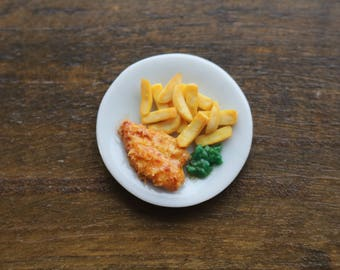 Dollhouse miniature plate of fish and chips in 1/12 scale