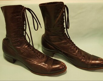 Incredible, antique Victorian, Edwardian, late 1800's to early 1900's, black leather, lace up boots!