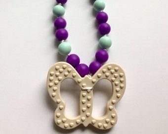Chompy Butterfly Pendant Necklace-Medium Ivory