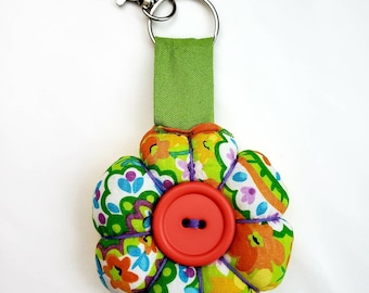 Stuffed Flower Keychain, Hippie Backpack Fabric Charm, Clip on Keyring, Retro Flower Charm, Gift for Her, Handmade Novelty Accessory, Purple