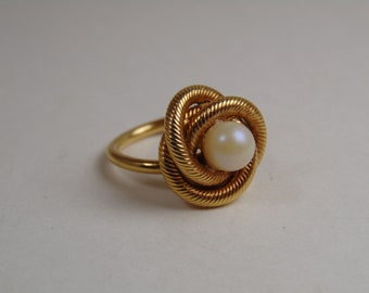 """Sarah Coventry 1969 """"Lover's Knot"""" Adjustable Ring Vintage"""