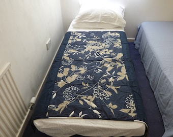 Navy linen floral wholecloth quilt. Handquilted lap quilt.  Navy blue beige and white. Fabulous design. Ready to ship, free postage.
