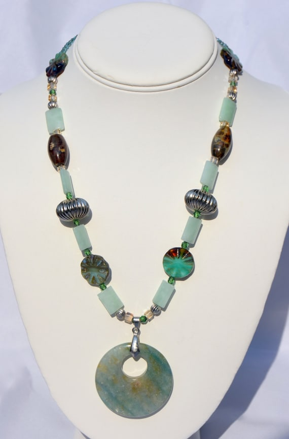 """19"""" Mint Green Necklace With Round Pendant"""