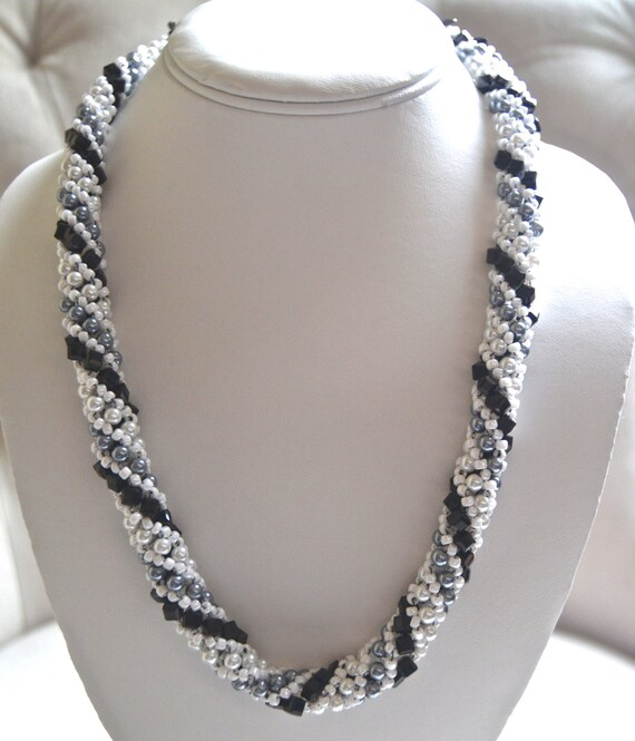 """20"""" Black and White Spiral Necklace"""