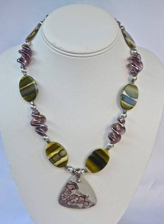"""18"""" Purple and Green Necklace with Pendant"""