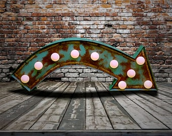 Fairground Marquee Arrow (Relic // Patina // Sign & Light // Vintage themed // Wedding // Distressed // Home lighting)