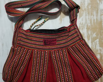 NWOT Hand Woven Nepal woven bag in Metis style colors! Free Shipping!