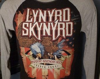 Lynyrd Skynyrd Stripes /& Stars Logo Licensed Adult T-Shirt