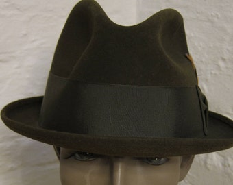 aed3924415b Size 7 3 8    Fine Fur Felt 1950s-60s Rare Green Fedora with Green Band  (Deadstock Unworn comes with Hat Box as Found)