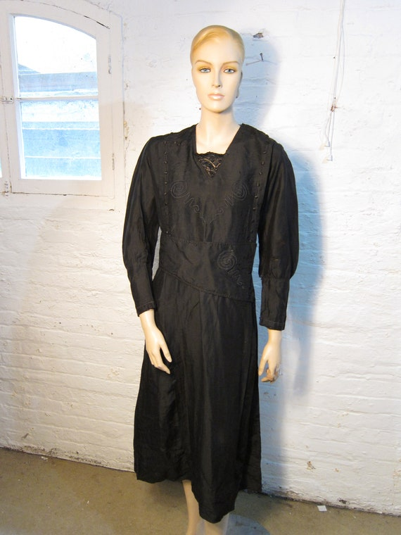 "Bust: up to 42"" ** Victorian - Edwardian Black Sil"