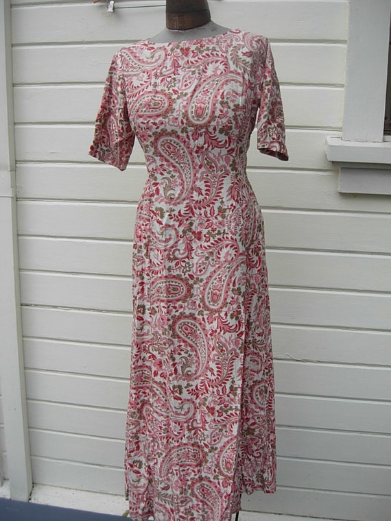 "Bust: 36""-37"" ** Attractive 1940s Cotton Broadclot"