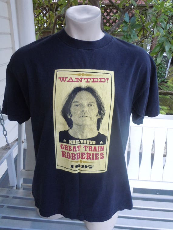 Size XL (48) ** 1997 Neil Young Concert Shirt (Dou
