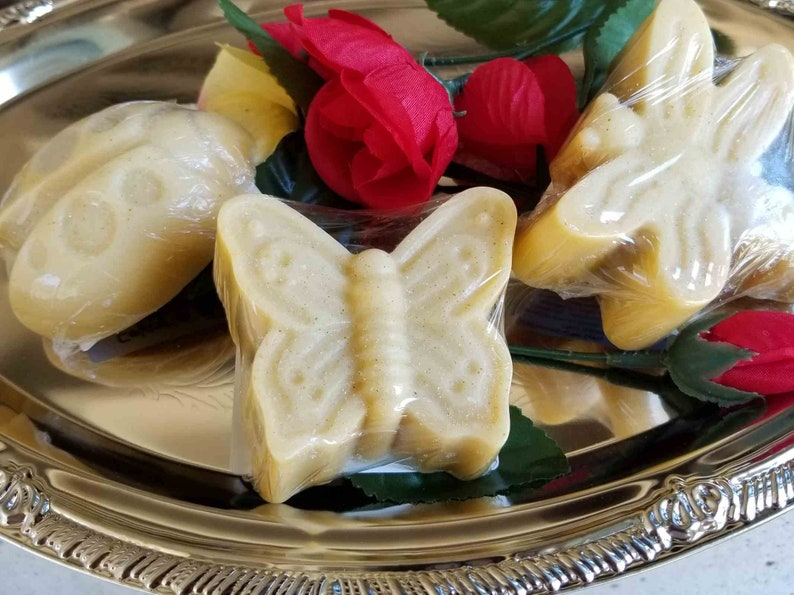 Spring into April with this set of 3 bug soaps Butterfly image 0