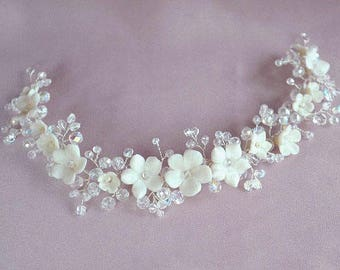 Bridal wreath crown, white flowers headband, bridal hairpiece, romantic bridal head piece