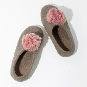 Dark Grey Felt Wool Slippers Wool Slippers Home Shoe Pom Pom Slippers Slippers with Leather Bottom Charcoal Women/'s Slippers