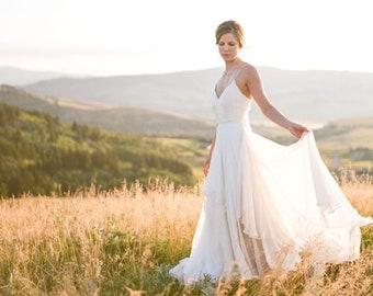 Spaghetti Strapp Chiffon A Line Flowy Wedding Dress f5ccfbfde