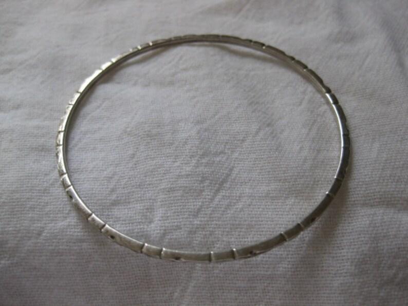 dd8c58d77779 Pulsera de plata Taxco vintage con detalle tallado