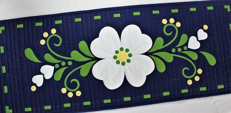 Spring Fling flower table runner easy beginner applique quilt image 0