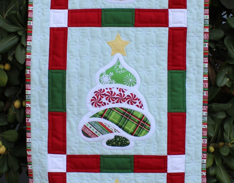 Christmas Trees Wall Hanging Applique Quilt Pattern image 0