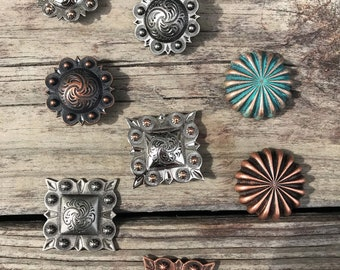 """5 COUNT WESTERN STYLE  ANTIQUE BRASS TONE STYLE CONCHOS 2/"""""""