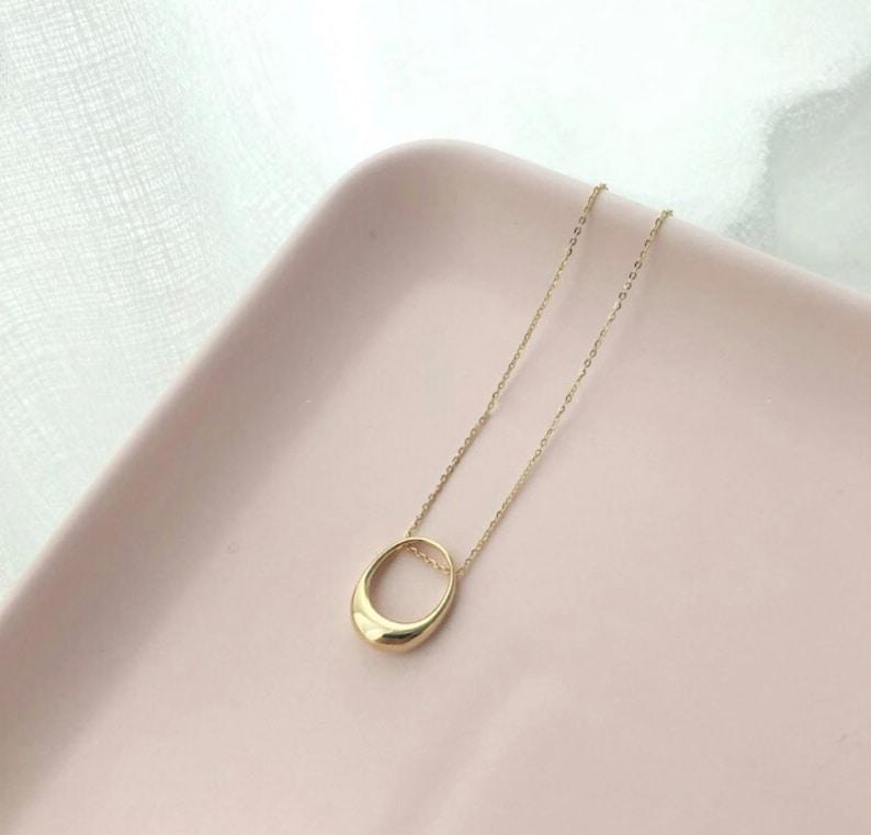 925 Sterling Silver \u2022 Hollow Ellipse Pendant Chain Necklace