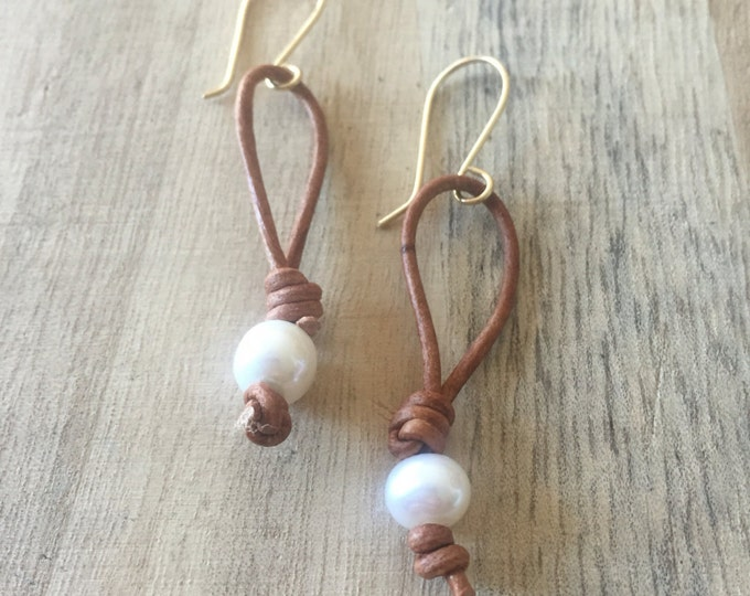 Freshwater Pearl Earrings, Pearl Earrings, Leather and Pearl Earrings, Knotted Leather Earrings, Boho Earrings, Leather Earrings, Freshwater