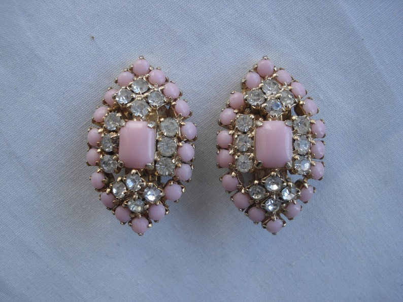 Costume Jewelry Pink Earrings Rhinestones Gold Tone Prong Set Unsigned 02911