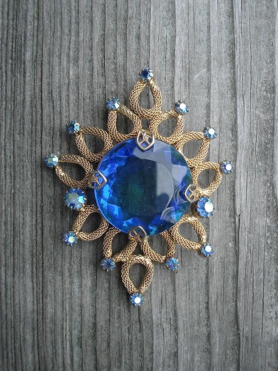 Vintage Wreath Silver Tone  Diamond Stones Estate  Costume Jewelry Brooch Pin