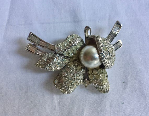 Vintage Rhinestone Jewelry Brooch Pin Ice White C… - image 3