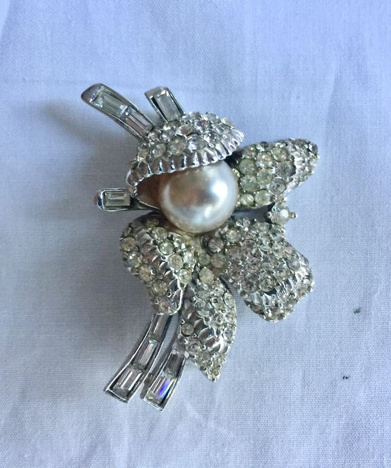 Vintage Rhinestone Jewelry Brooch Pin Ice White C… - image 2