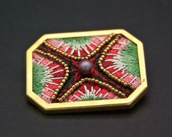 Brooch geometric abstract