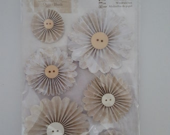 Docrafts Oyster blush Pin Wheels