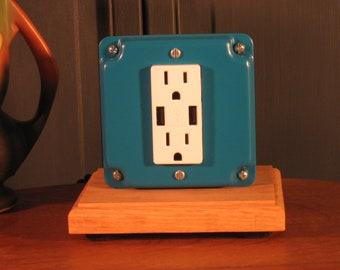 H.G. usb mini (Outlet with 2 usb) Oak Base