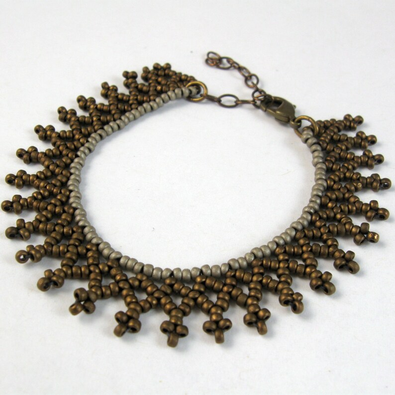 Bead Stitched Lace Netting Necklace InstructionsStep-by-Step image 0