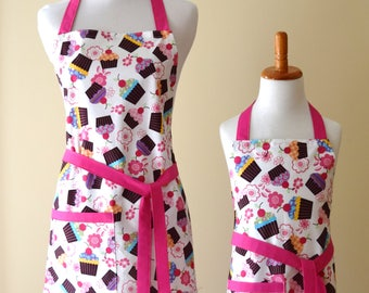 Mommy and Me Apron set Mother Daughter apron set Cup Cake apron set Pink Matching Apron Set