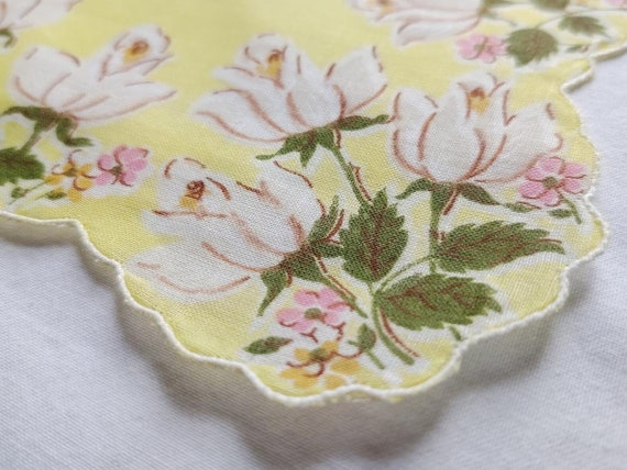 vintage set of 4 tulip print handkerchiefs - image 6