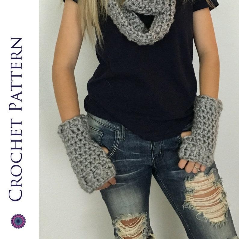 Chunky Fingerless Gloves CROCHET PATTERN  Chunky Fingerless image 0