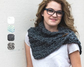 Toggle Neck Warmer - Chunky Cowl - Texture Button Scarf - Scarf with Toggle - Chunky Neck Warmer - Christmas Gift for Her - Gifts Under 25