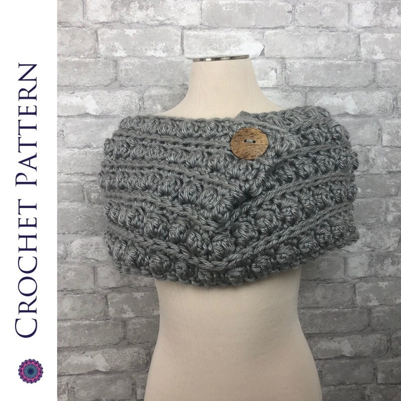 CROCHET PATTERN  Chunky Cowl with Button Bobble Circle Scarf image 0