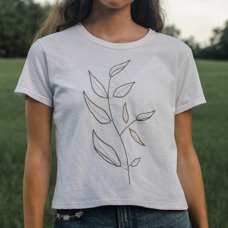 Line Art Leaves Tee  Hand Embroidered T-Shirt Botanical Tee Green/Pink Emb - Wht