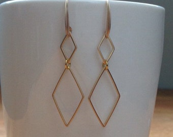 Matte gold small diamond, long dismond shaped earrings
