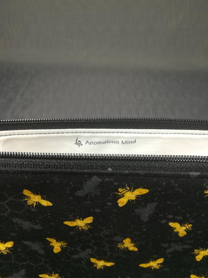 Wedge Bag 1-2 Skein or 5-7 Skein Project Bag Honey Bee Project Bag Zipper Handle