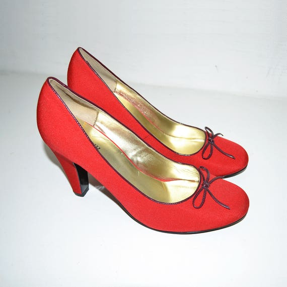 Vintage Red Canvas and Leather Womens HI-Heels Sho