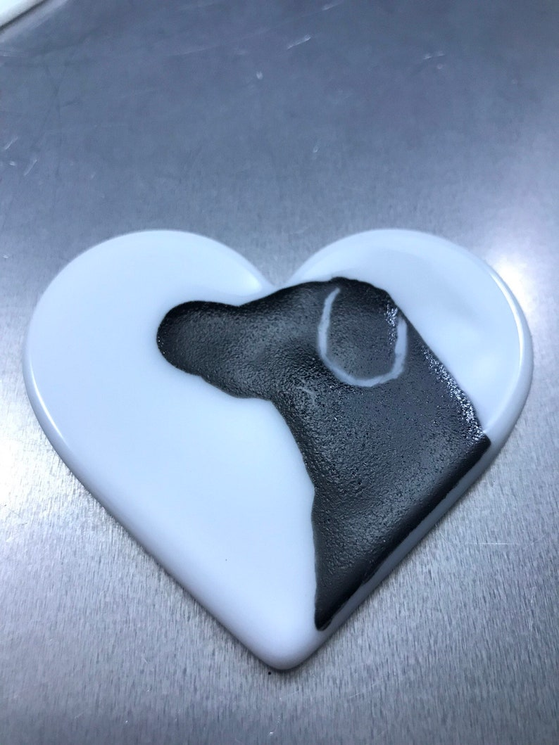 free shipping Ornament labrador dog fused glass Heart
