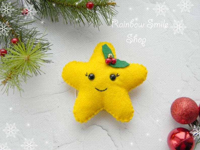 Immagini Natalizie Kawaii.Ornamento Di Natale Feltro Feltro Stella Natalizia Kawaii Etsy